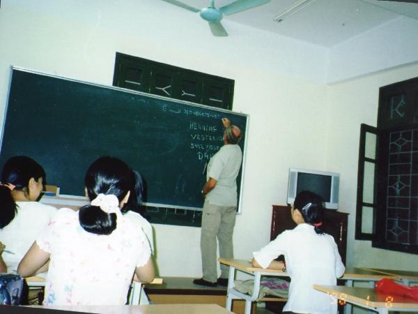 Universitetet i Hanoi. Jeg taler til de studerende