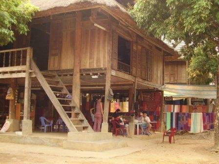 Her bodede vi i Mai Chau