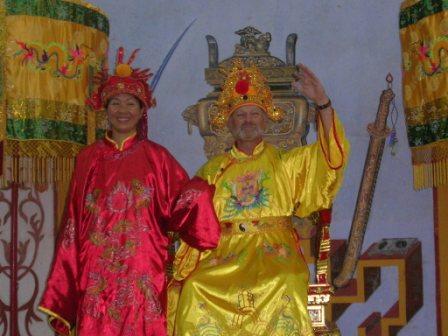 Nha og Henning i mandarintøj