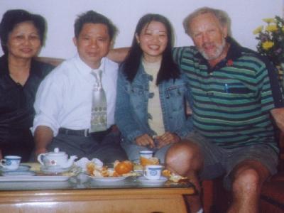 Thuy's forældre, Thuy og Henning