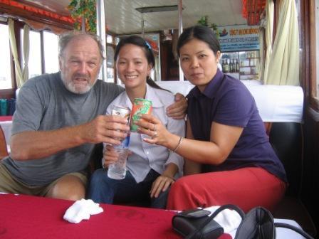 Henning, Oanh og Thue