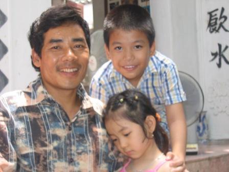 Thang og hans 2 børn.