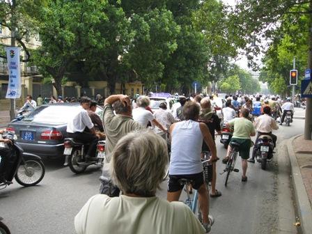 På cykeltur i Hanoi