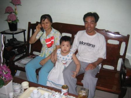 Hoang som er Thuy's søster