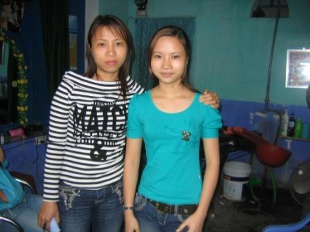 Khai og søster fra frisørsalonnen