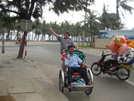 Årlig morgentur til stranden i Hoi An