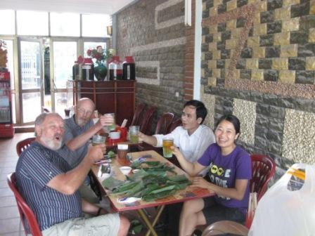 Frokost sammen ned Thuy og Hien