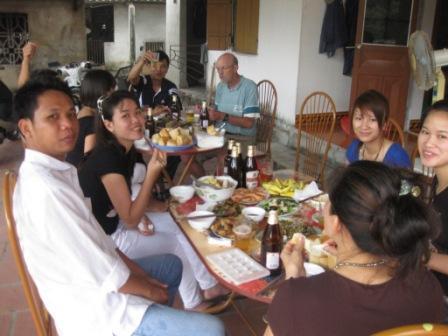 Frokost hos Oanhs forældre