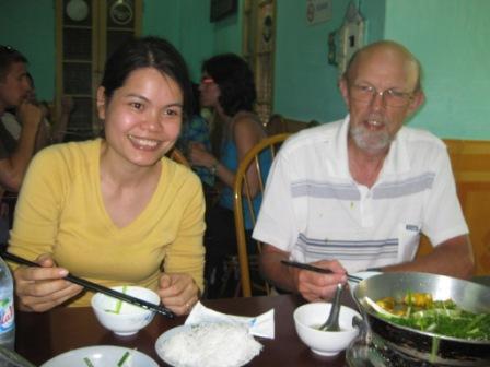 Kieu Anh og Erik under frokost