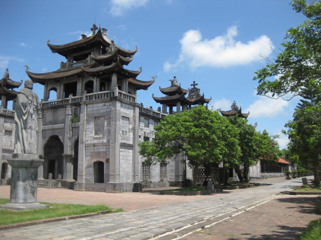 Vietnams største kirke