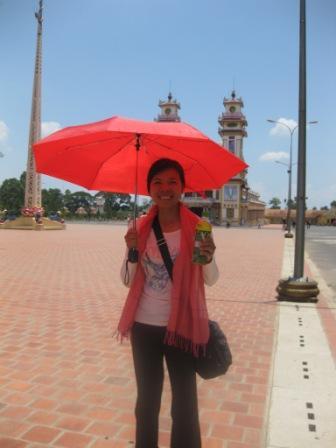 Sophal foran Cao Dai